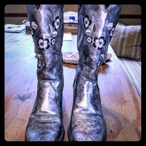Shoes - Durango cowgirl boots